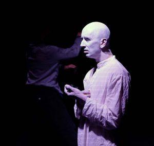 """Ausschnitt aus der Performance """"Oblivion"""" (Gastspiel am ZEITMAUL-Theater Bochum)"""