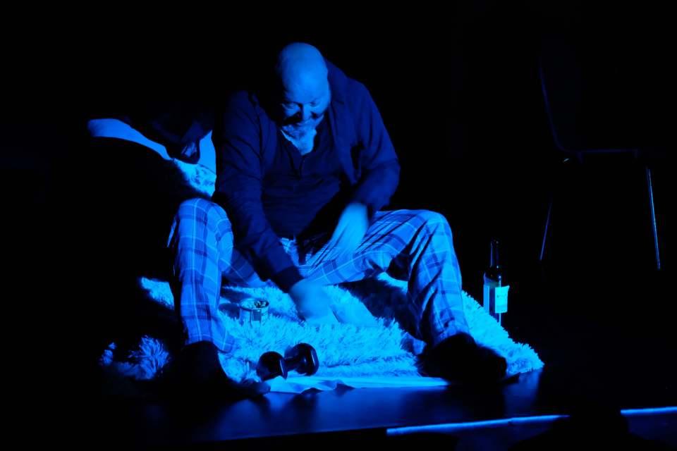 """Szenenfoto aus """"Vom Suchen und Warten"""" (ZEITMAUL-Theater Bochum)"""