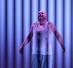 """Szenenfoto aus """"Lüge"""" mit Severin Roth (ZEITMAUL-Theater Bochum)"""