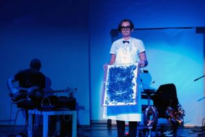 Ausschnitt aus WireWagna mit der Schauspielerin Maria WOlf (ZEITMAUL-Theater Bochum)