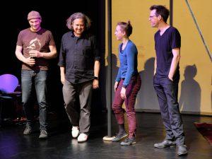 """Szenenfoto aus dem Auftritt von """"Physical Monkey"""" Sabeth Dannenberg bei WireWagna (ZEITMAUL-Theater Bochum)"""
