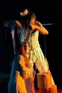 Szenenfotos vom Auftritt Christian Bernecker, Lila Tolan und Marion Kortenkamp mit WireWagna (ZEITMAULT-Theater Bochum)